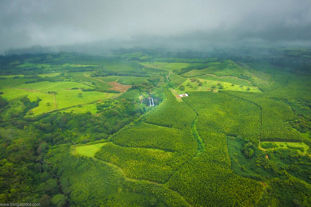 Wailua Falls,Kauai, Hawaii, aerial view, Jack Harter Doors Off Helicopter Tour.Image©www.thingstodot.com