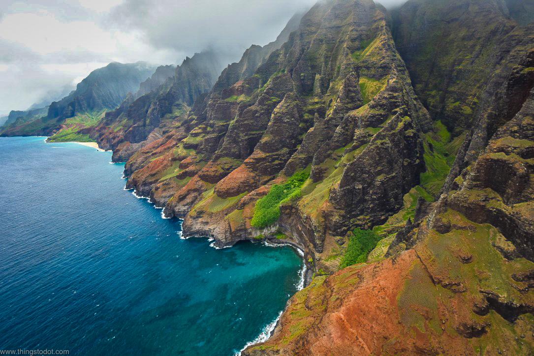 Na Pali Coast, Kauai, Hawaii, aerial view, Jack Harter Doors Off Helicopter Tour.Image©www.thingstodot.com