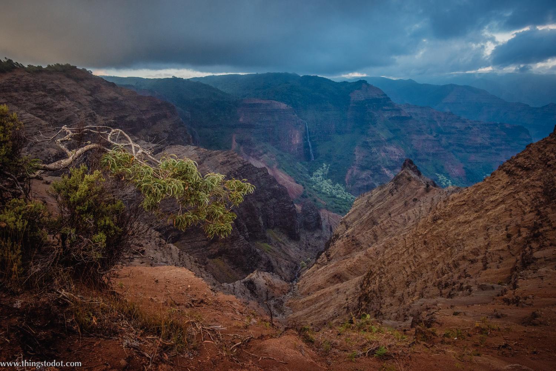 Waimea Canyon Lookout, Kauai, Hawaii. Photo: Patrick Kelley (www.pk-worldwide.com). Image©www.thingstodot.com