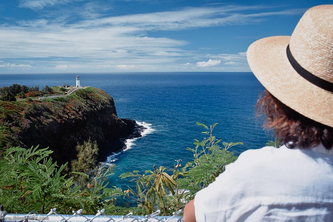 Kilauea Lighthouse, parking lot, Kilauea Point, Kauai, Hawaii. Image©www.thingstodot.com