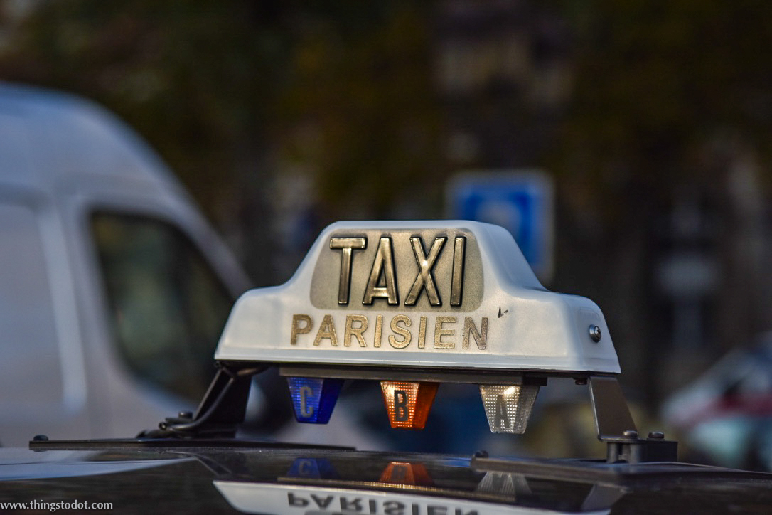 Paris Taxi. Image©www.thingstodot.com.
