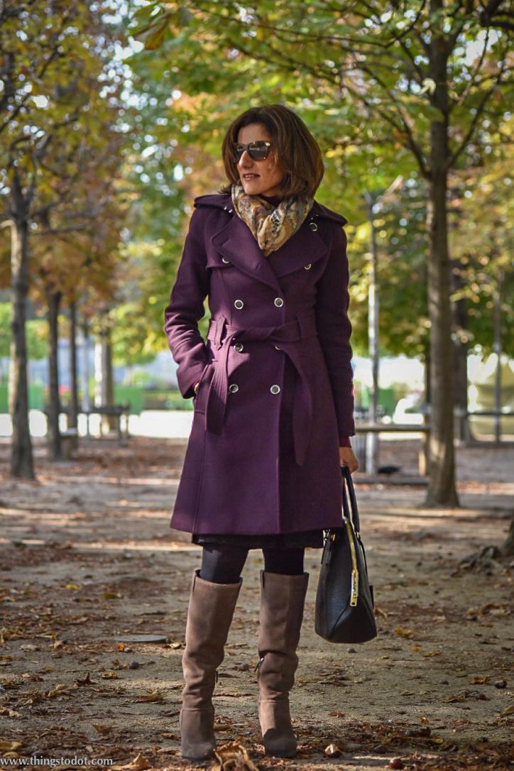 Karen Millen fall/winter coat, Karen Millen suede boots,Burberry bag, Jardin des Tuileries, Paris, France.Photo: Nina Shaw. Image©www.thingstodot.com.