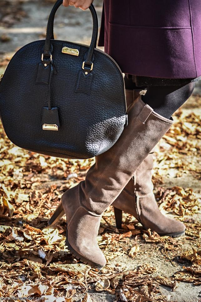 Karen Millen fall/winter coat, Karen Millen suede boots,Burberry bag, Jardin des Tuileries, Paris, France. Photo: Nina Shaw. Image©www.thingstodot.com.