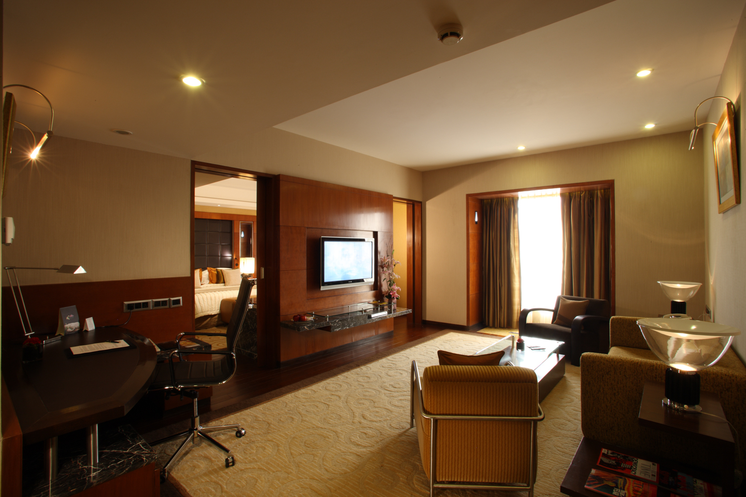 Radisson Blu Plaza Delhi Airport Hotel, Deluxe Suite. www.thingstodot.com.