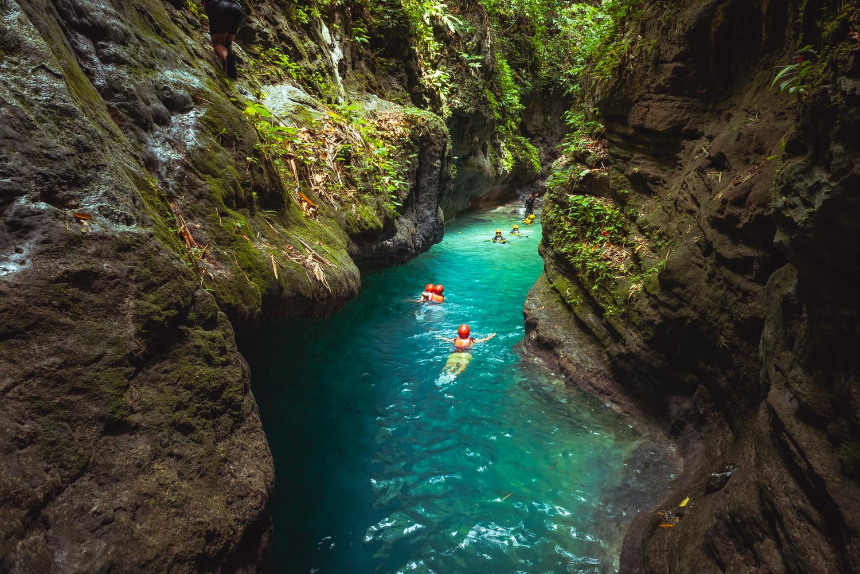 Kawasan Falls Canyoneering, Badian, Cebu, Philippines. Photo: Brad Chilby (https://chilby.com.au). Photo© https://www.thingstodot.com.