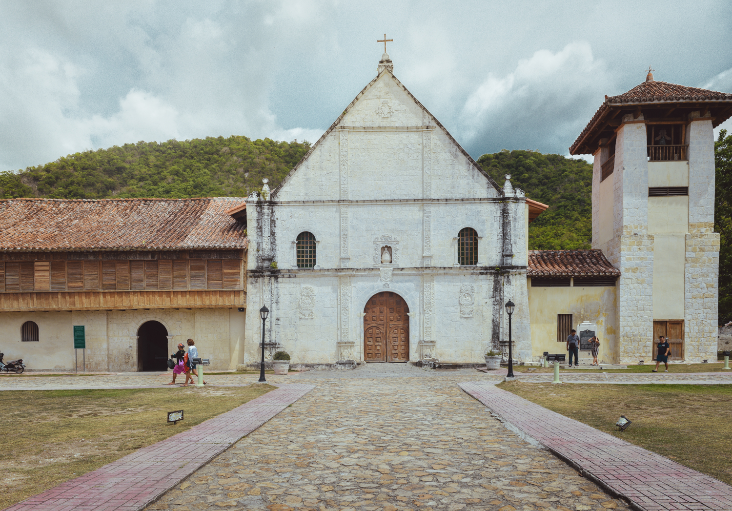 Boljoon Church, Boljoon, Philippines. Photo: Brad Chilby (https://chilby.com.au/). Photo©www.thingstodot.com.