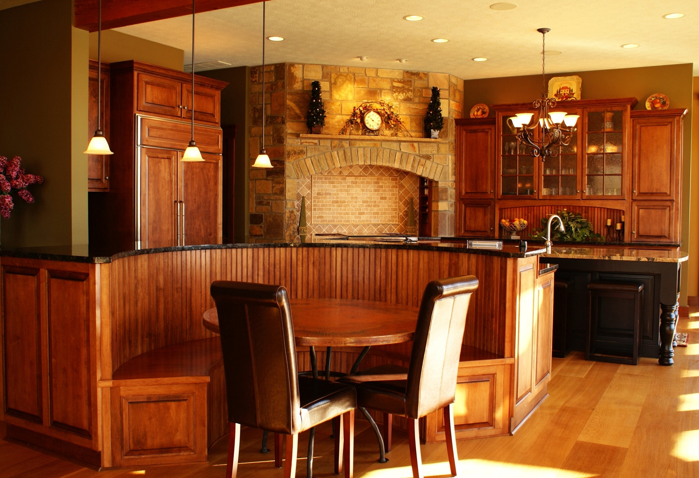 Custom Cabinet Makers - Traditional