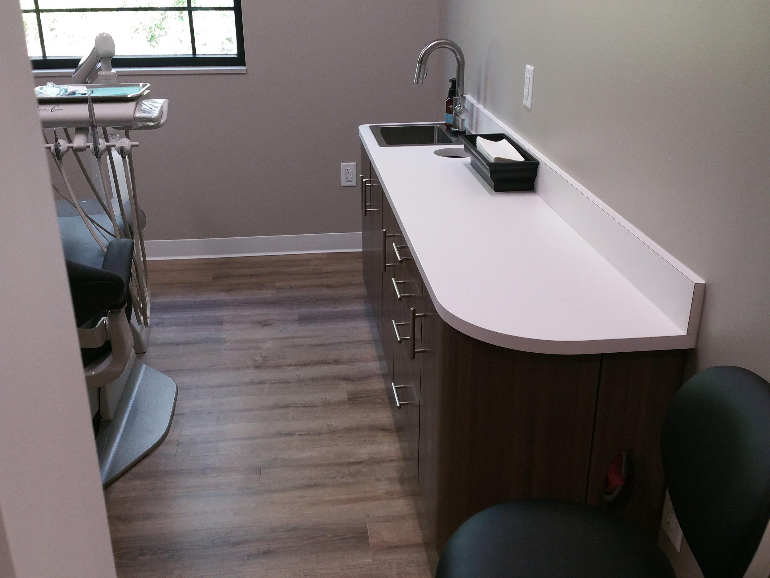 Dentist Office 1.jpg
