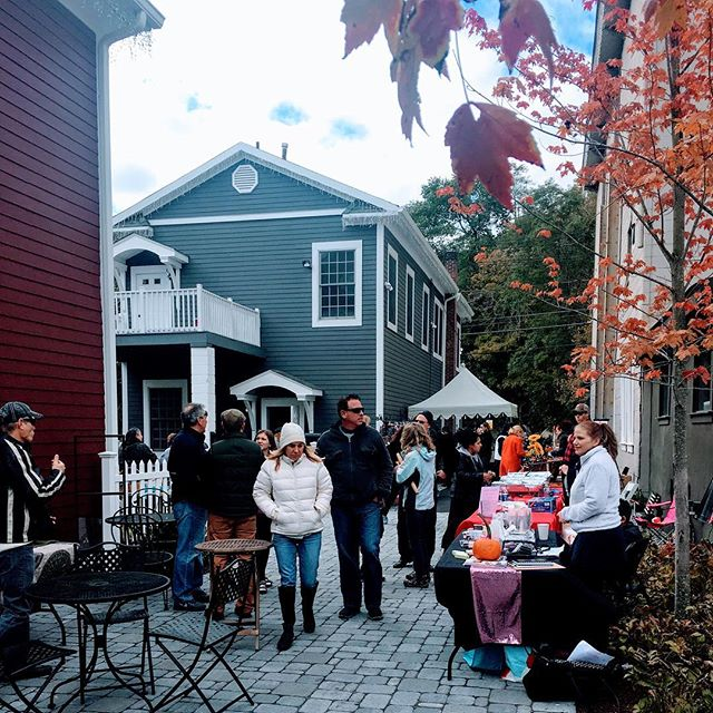 Sloatsburg Chamber Block Party held on Sunday October 21 was fun! People perused the vendors along  the Village Walk in between The Village Blend and bike barn. #sloatsburgny #sloatsburgchamberofcommerce #blockparty #exploreharriman #thevillageblend