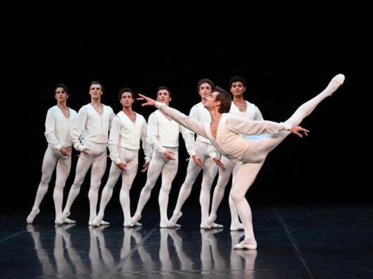 """Friedemann Vogel in John Cranko's """"Concert for Flute & Harp"""" Photo ©Stuttgart Ballet"""