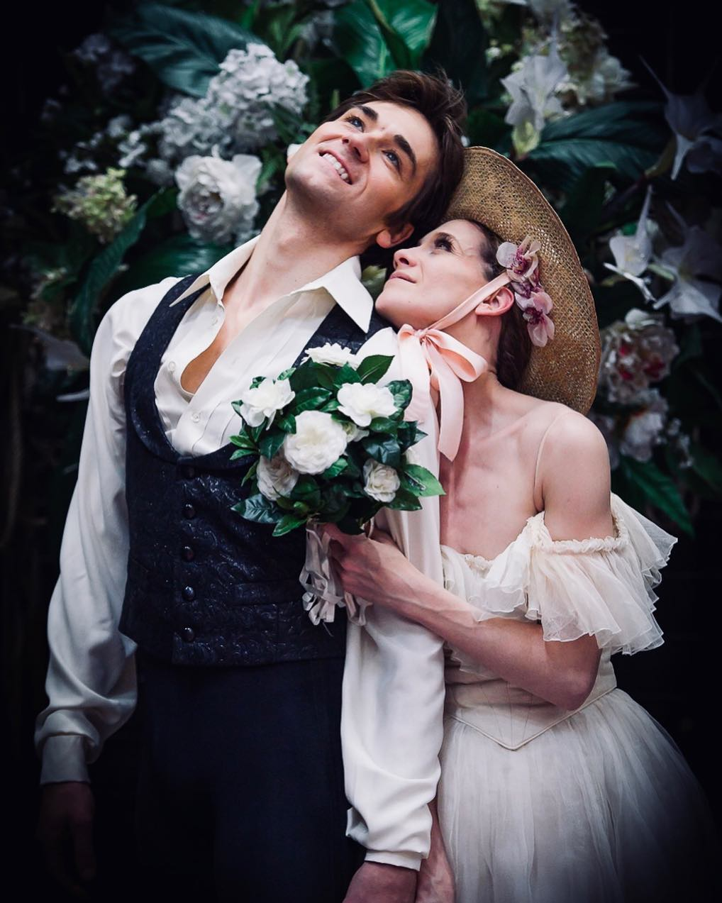 Friedemann Vogel as Armand Duval and Alicia Amatriain as Marguerite Gautier. Photo © Stuttgart Ballet