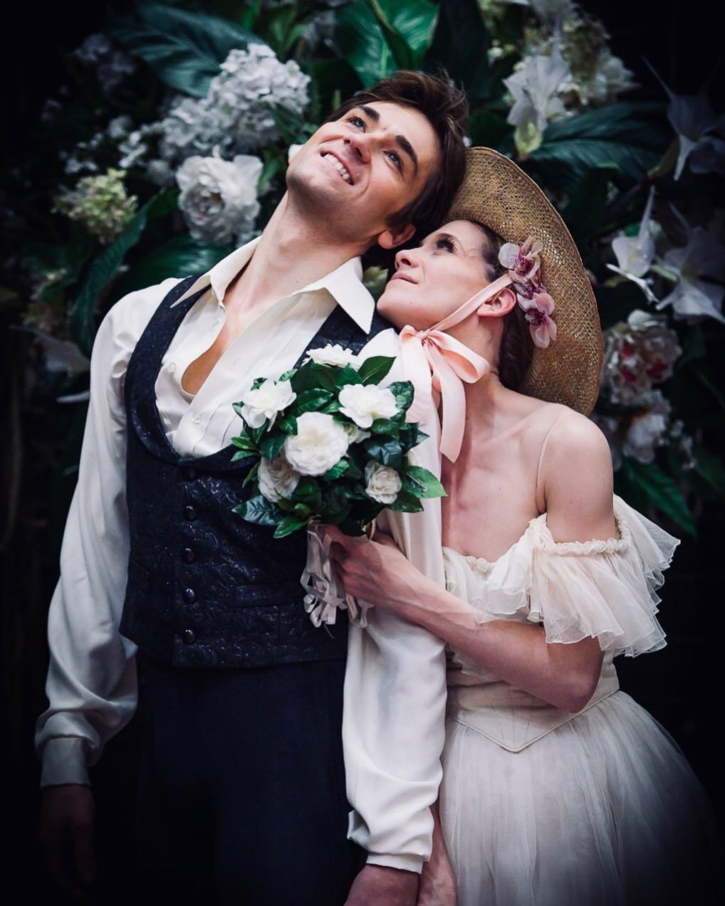Friedemann Vogel as Armand Duval and Alicia Amatriain as Marguerite Gautier. Photo © Stuttgart Ballet