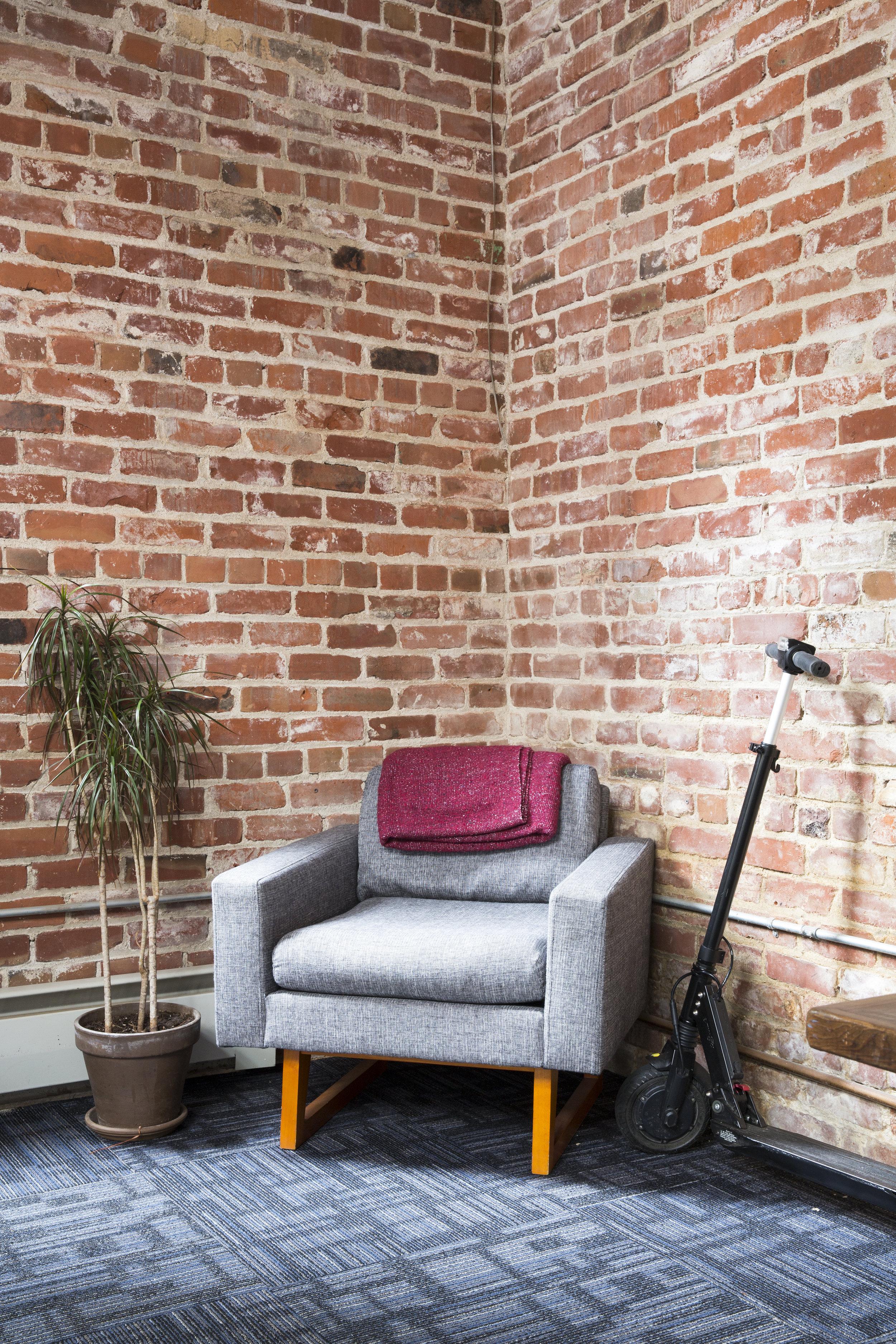 tgg coner chair.JPG