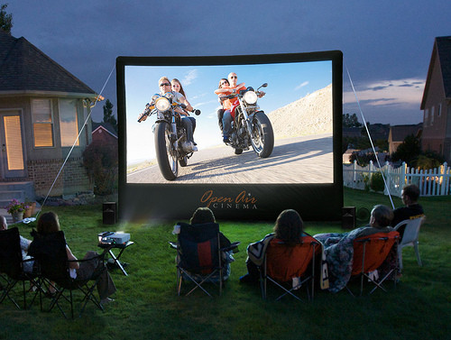 milwaukee outdoor movie screen rental inflatable