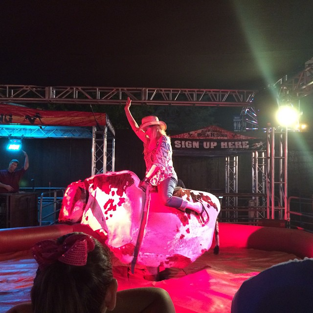 Milwaukee mechanical bull rental, Wisconsin mechanical bull rental