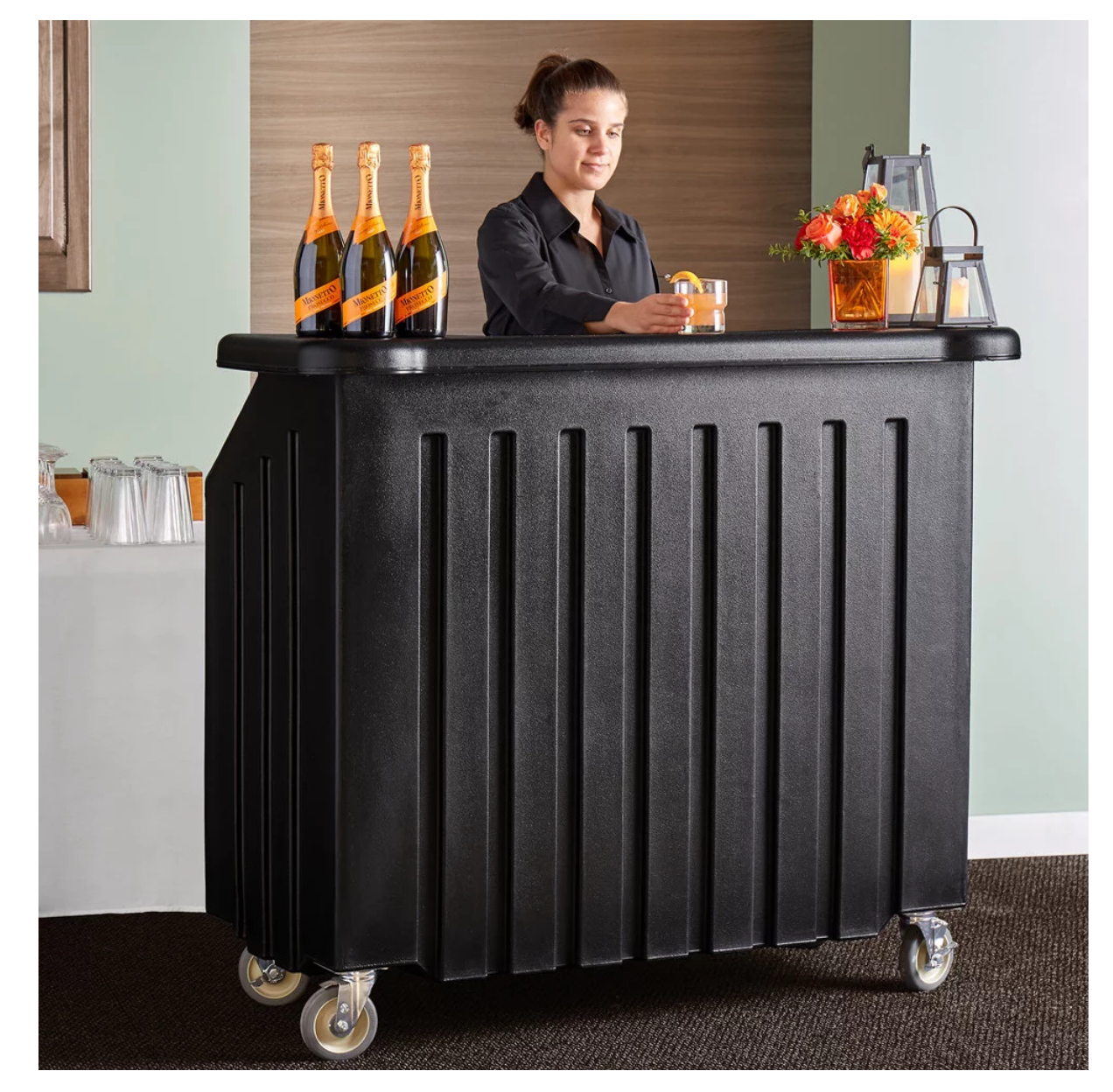 Portable bar rental for weddings and events in Fox Point, Bayside, Mequon, Lake Geneva, and Brookfield Wisconsin