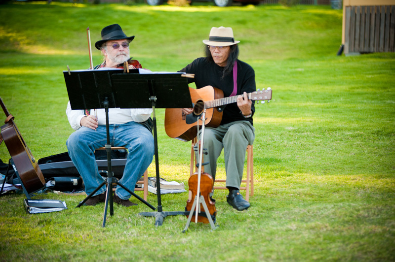 Bluegrass duo performing in Anchor Bay, CA