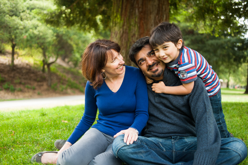 Family portraits in Oakland at Lake Temescal