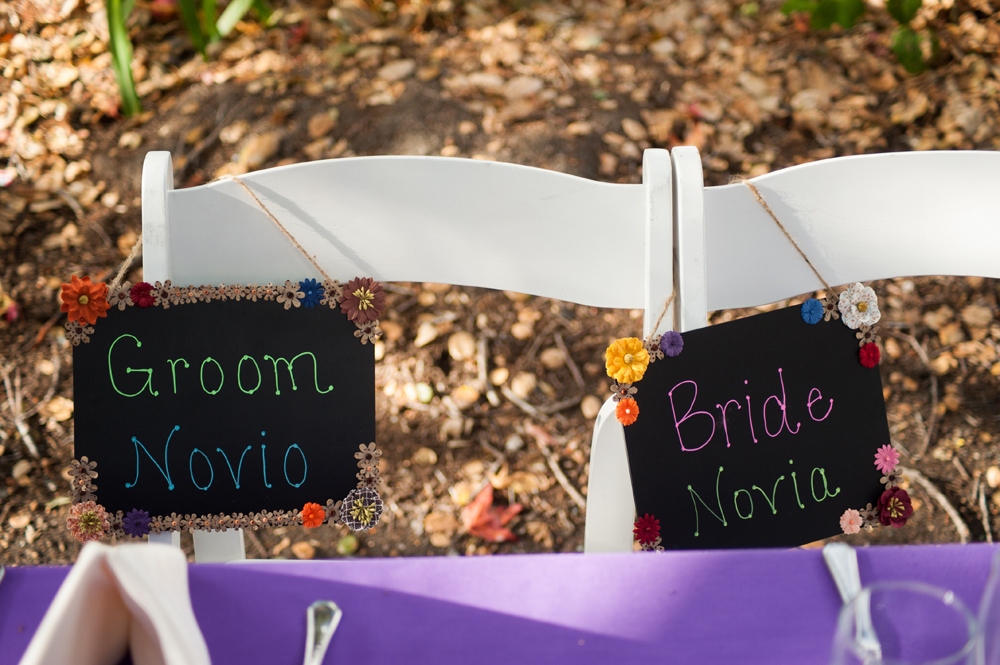 Bilingual seating arrangement for wedding