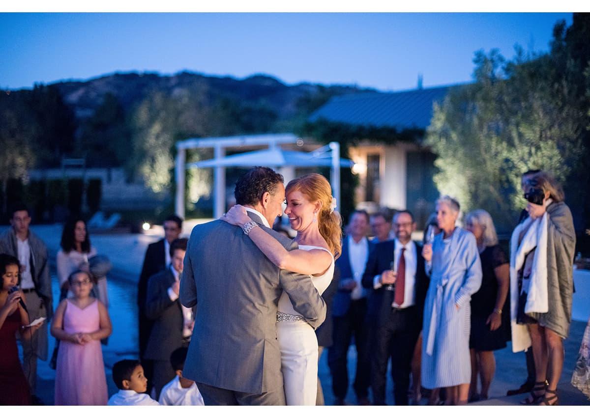 Twilight first dance between bride and groom