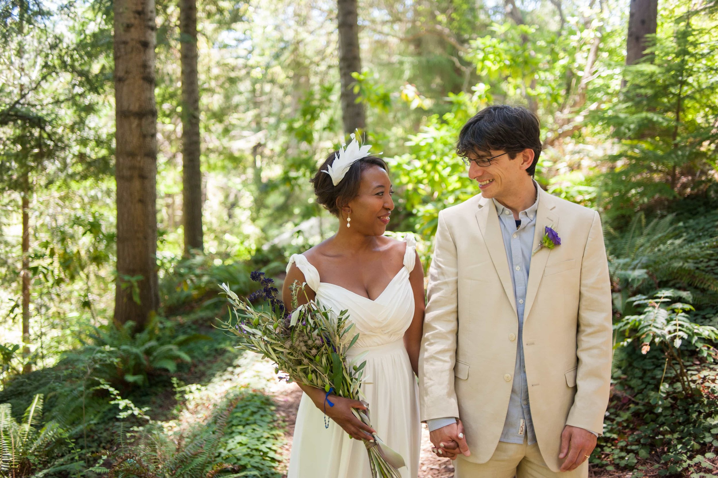 Bride and Groom wedding photo at the Botanic Garden in Tilden Park