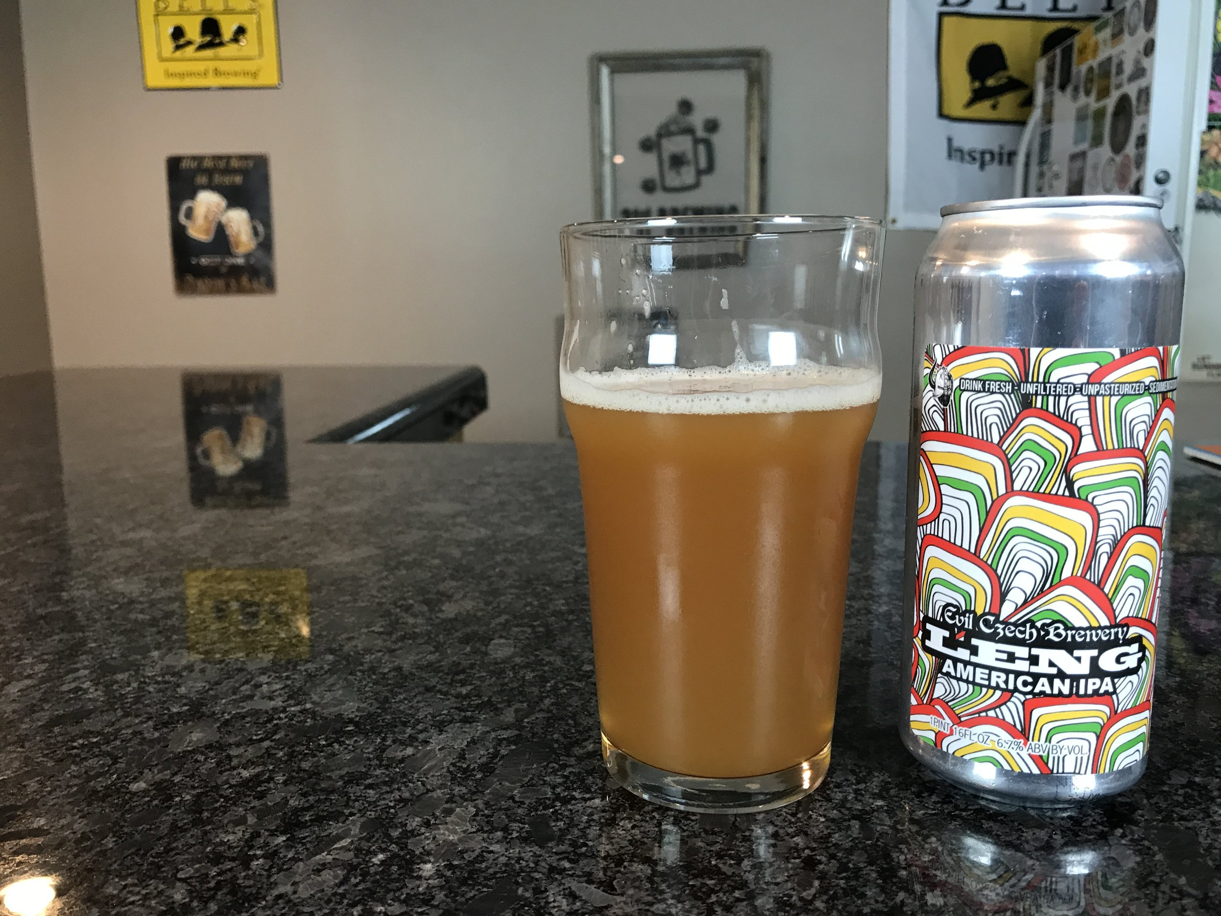 LENG 6.7% ABV 15 IBUs - Want to see the Video review? Click on the image.
