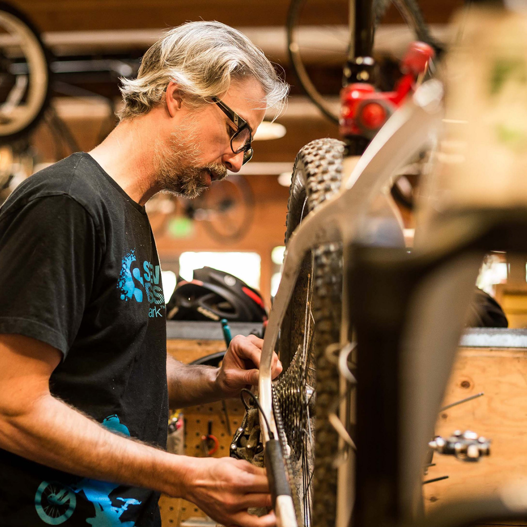 M O N T L A K E B I K E S H O P - Founded in 1980, the Montlake Bike Shop is *the* place to go for thoughtful and expert advice, service, recommendations, and your perfect next bike. Their mission says it all: keep people riding and enjoying bicycles in Seattle.