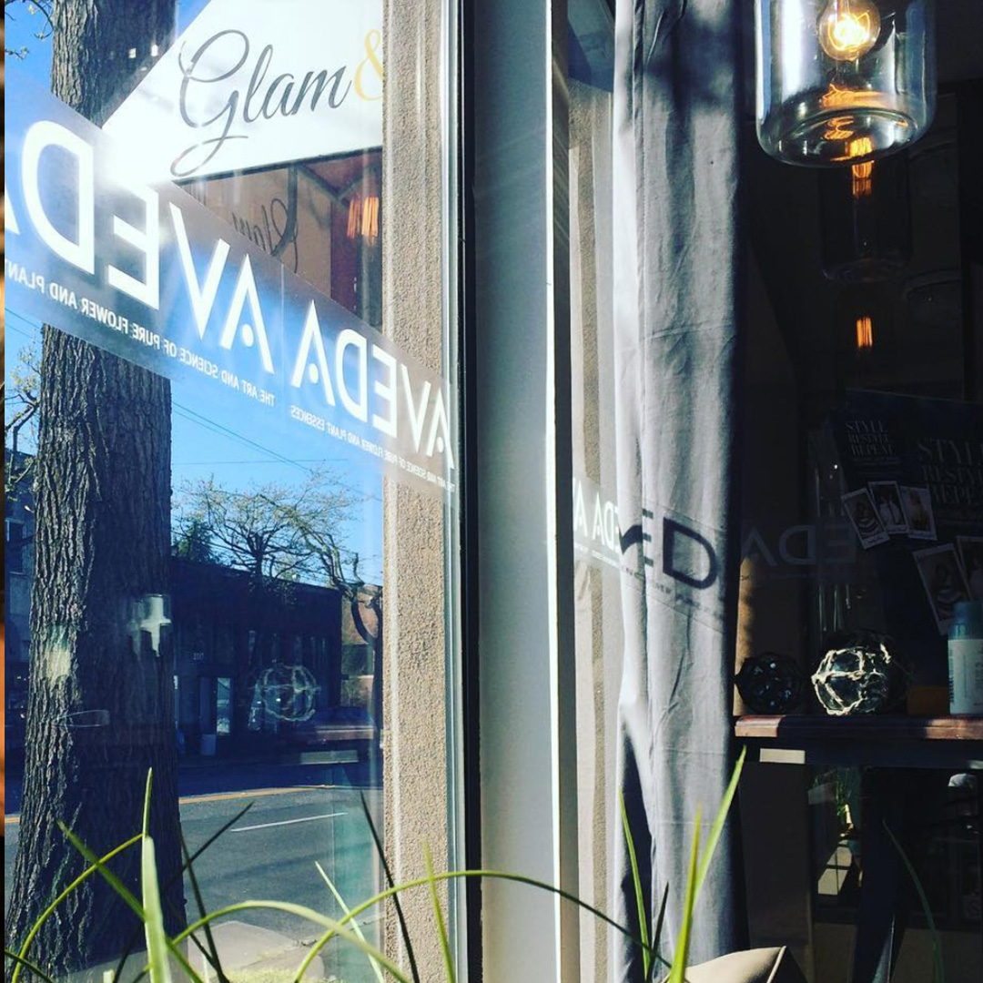 G L A M & T O N I C S - Indulge your senses and relax at Glam & Tonics. An Aveda Concept Salon, Glam & Tonics is the go-to spot to update and enhance your natural beauty. Pamper yourself and help protect the environment.