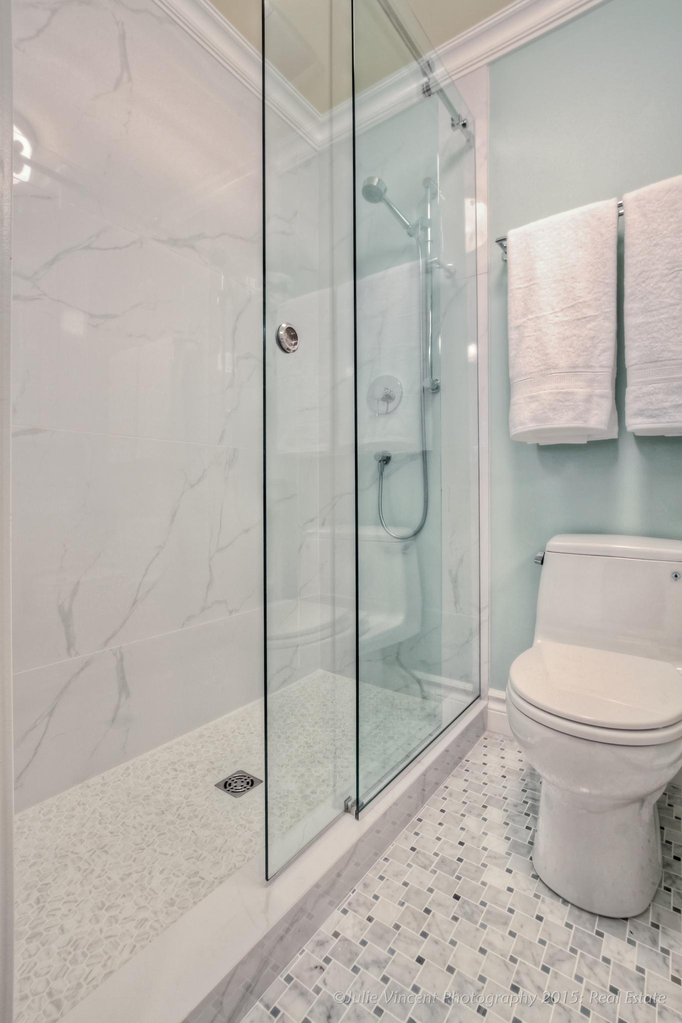 15-11-09, Amy's Bathrooms FINALS-9.jpg