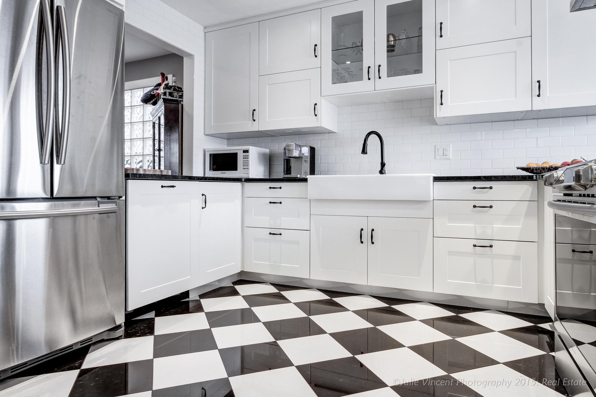 2020 26A Street SW, Kitchen-3.jpg