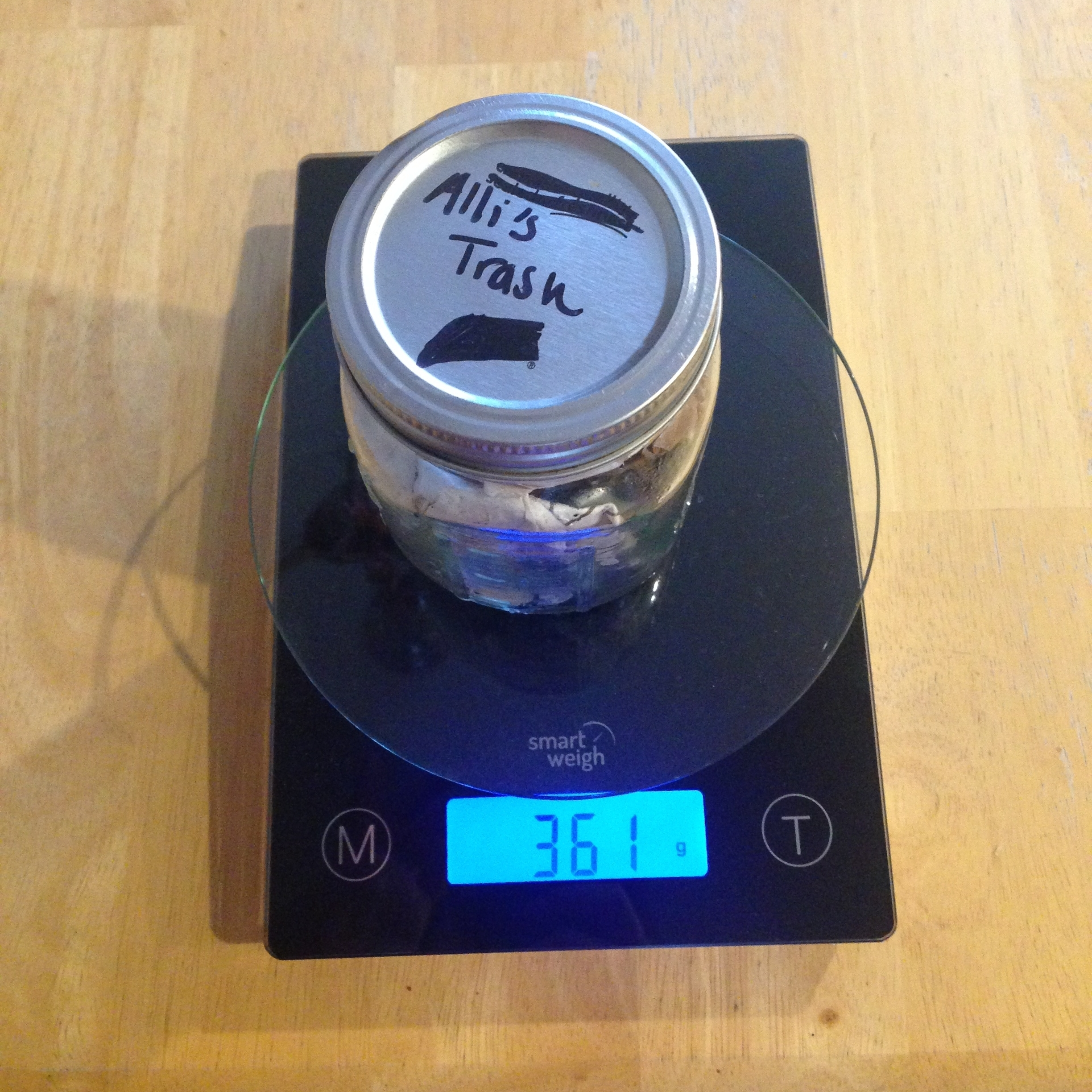 My full mason jar of trash weighing 361g