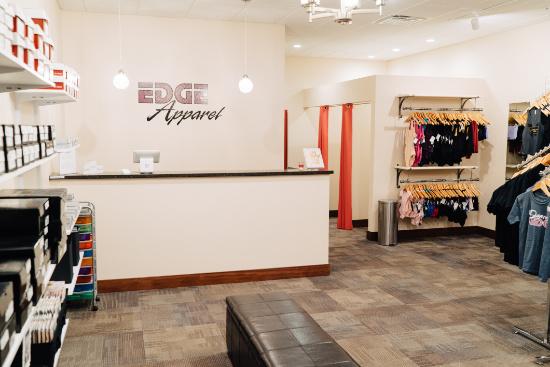 edge_apparel_store_4.jpg