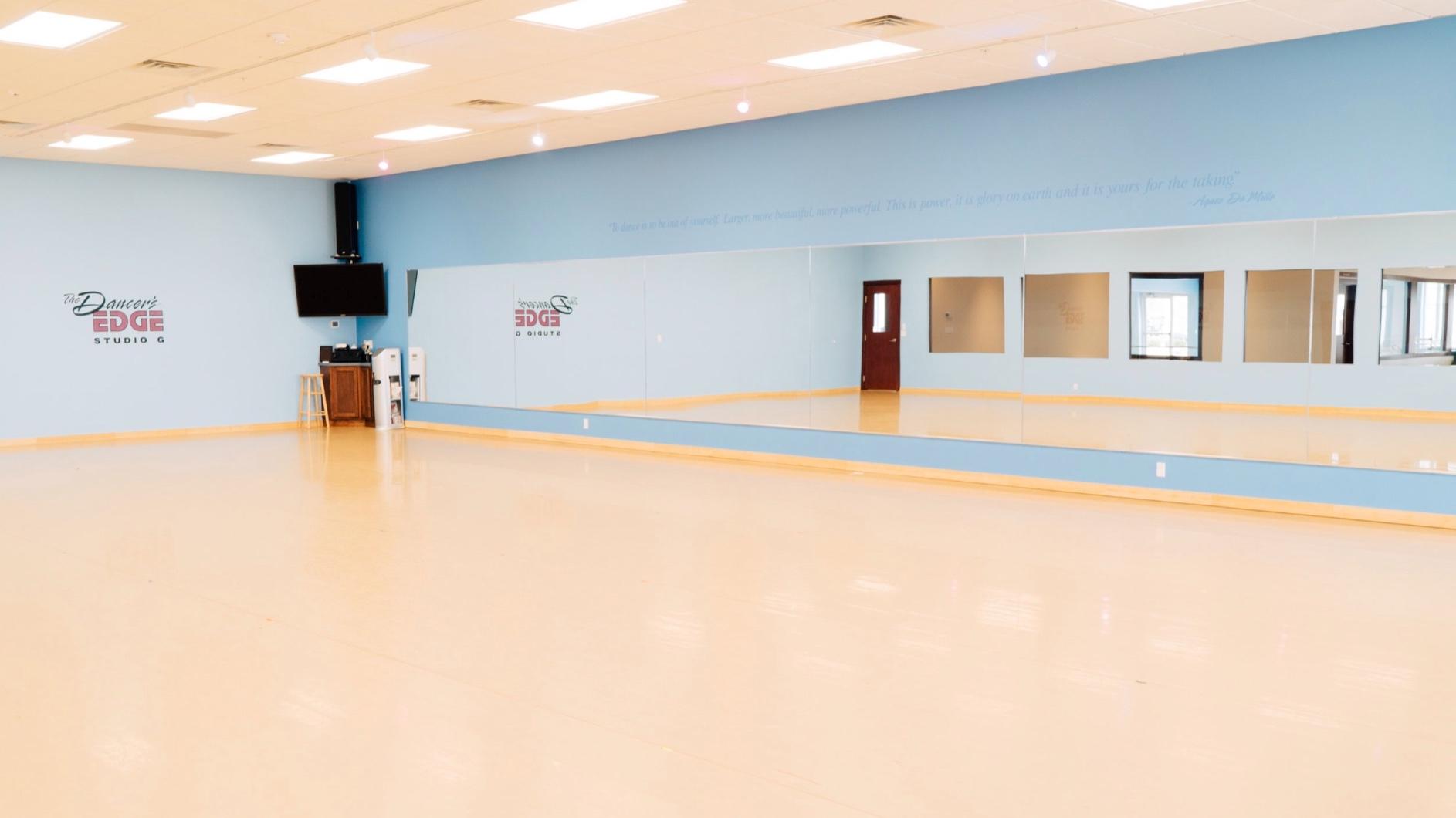 The Dancer's EDGE Studio Room