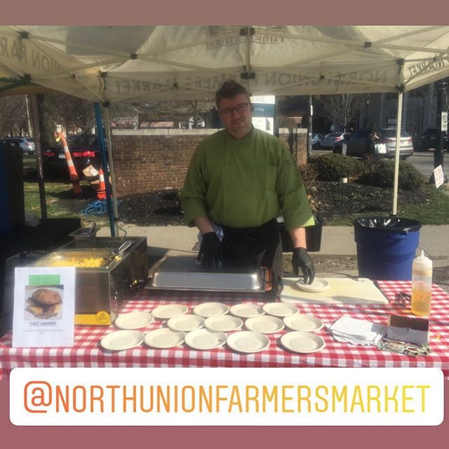 It's a beautiful day for the 1st day of the outdoor farmers market at Shaker Square!  Chef Brian is there sampling our famous Fast Sammy!  Homemade gluten free buttermilk biscuit with farm fresh cage free eggs, cheddar and local 🥓 @northunionfarmersmarket . . #whatceliacseat #glutenfreelife #glutenfreeliving #wheatfree #celiac #celiacdisease #nogluten #glutenfreefood #glutenfreediet #buzzfeedfood #gfliving #allthingsgf #sansgluten #glutenfreefoodie #glutenfreeeats #celiaclife #glutenfree #forkyeah #instayum #meandgfree #foundonfmgf #glutenfreelifestyle #glutenfreetravel #glutenfreelife #glutenfreefood #glutenfreefoodie #gftravel #glutenfreefollowme #localcle #thisiscle #supportlocalfarmers #farmersmarket