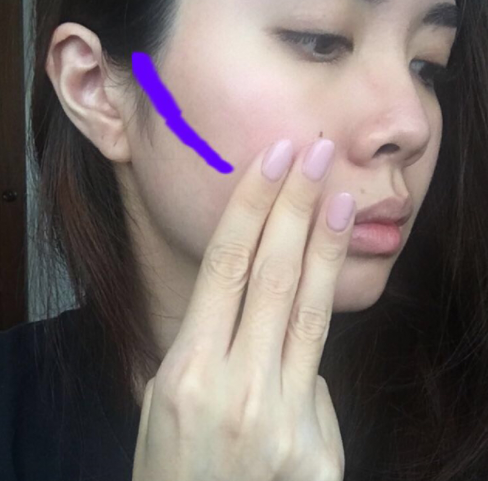 And I normally prefer to stop my contour around 3 fingers from my mouth.