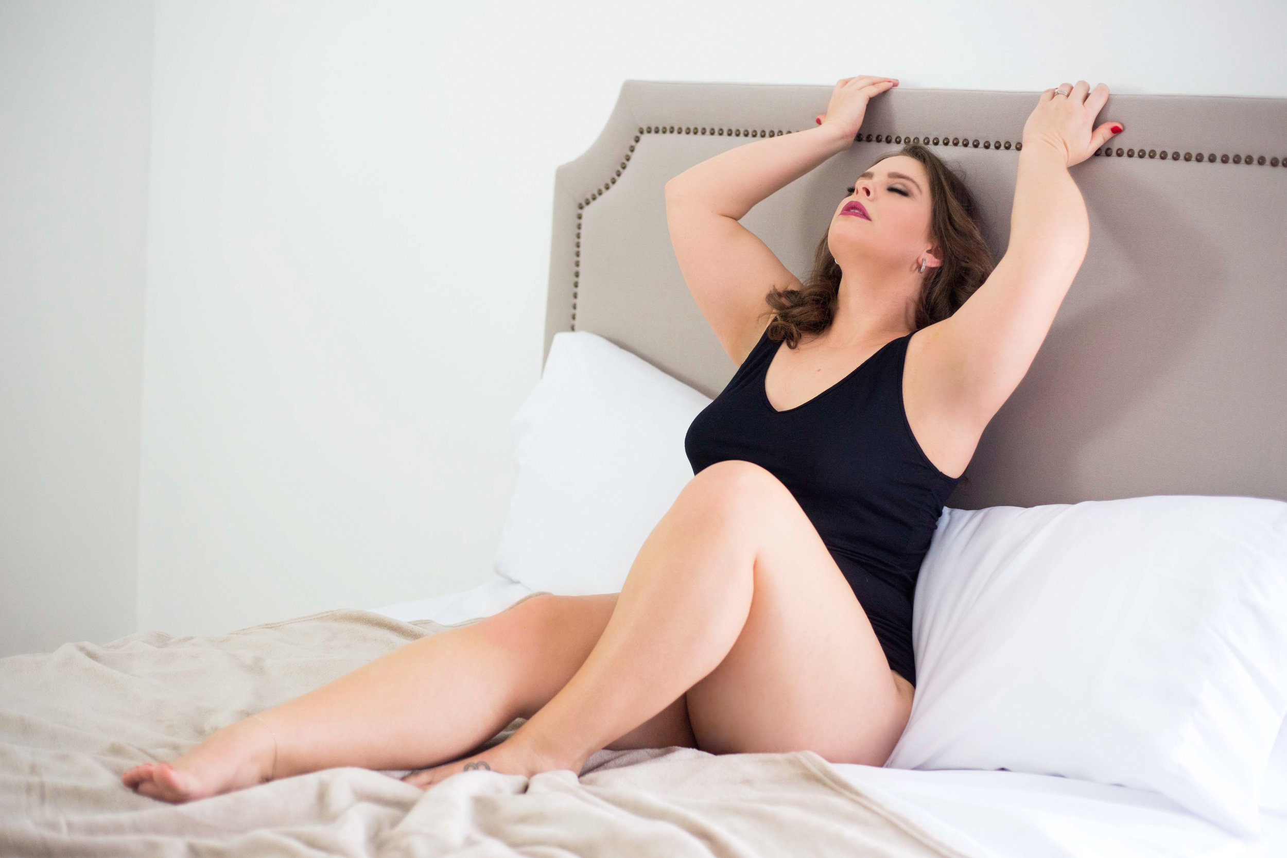 Columbus boudoir photo session, sexy pictures, grooms gift