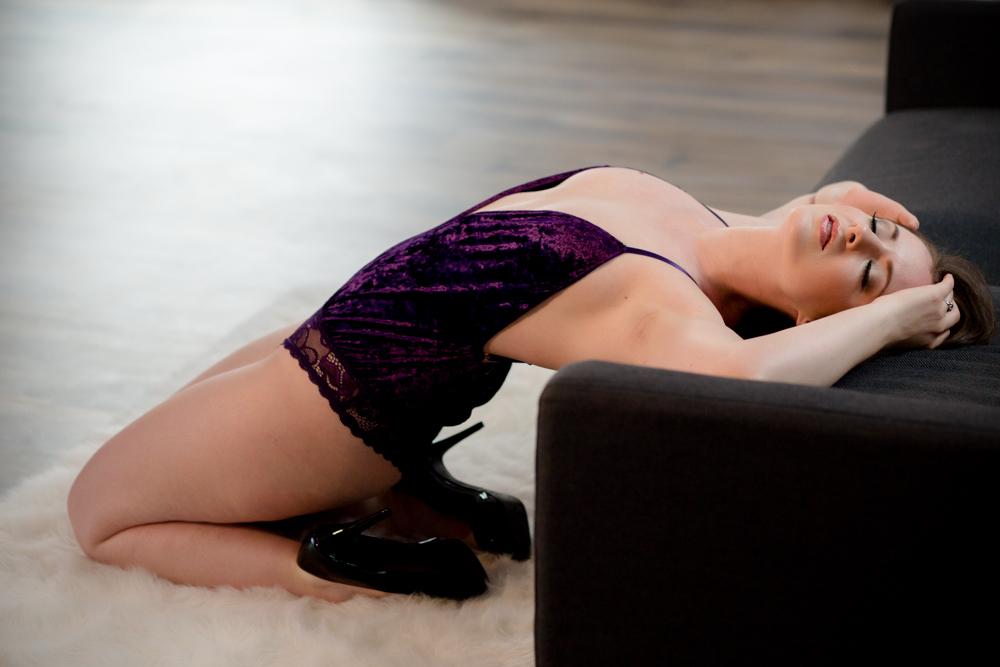 boudoir photography columbus ohio, sexy photo shoot, lingerie pics, sexy pictures of women, glamour photography, boudoir, photographer, beautiful photos