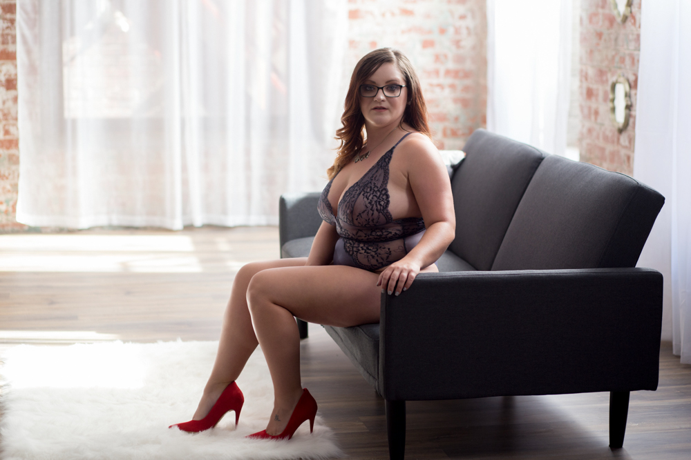columbus boudoir photo studio, sexy pics, lingerie pictures, grooms gift, glamour shots, erotic photography, columbus ohio