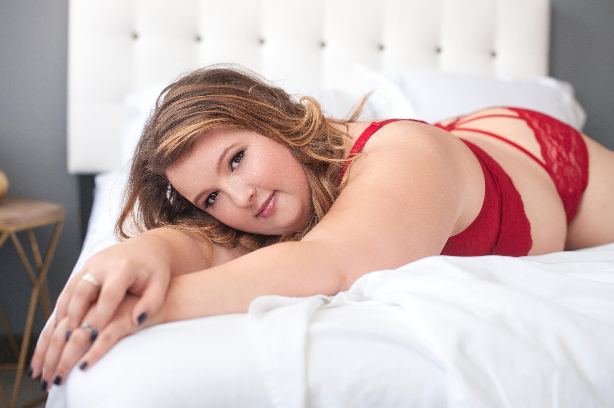 Columbus boudoir photographer, sexy photo shoot, lingerie pictures, sexy pics, underwear model columbus, beauty and boudoir, sultry photos