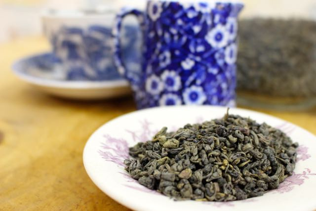 Gunpowder Green tea    As well as vitamins and minerals green tea contains polyphenols these are believed to be responsible for promoting good health.