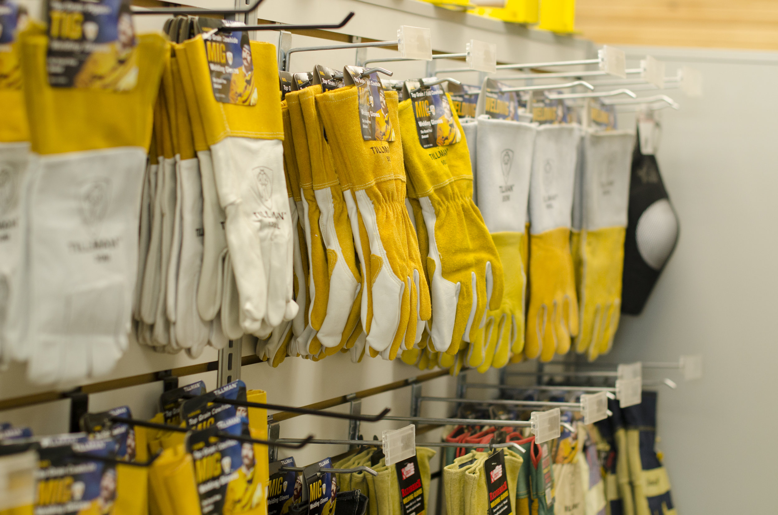TBS_Chanute_Fredonia_2017__0015GLOVES-SAFETY SUPPLIES.jpg