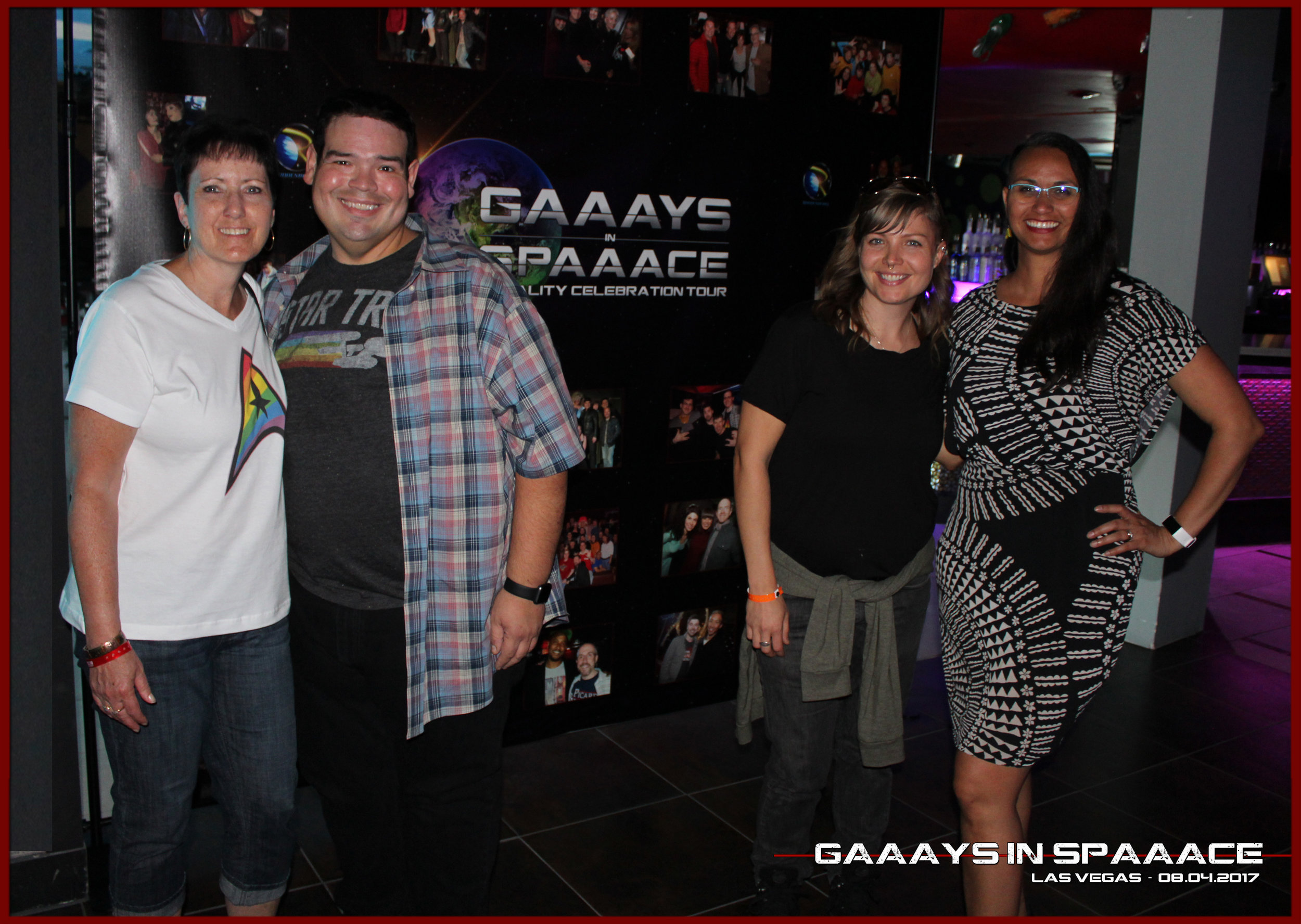 GIS-VEGAS-8-4-17-JesseOquendo-ChristineNetzband-and-2-Fans.jpg