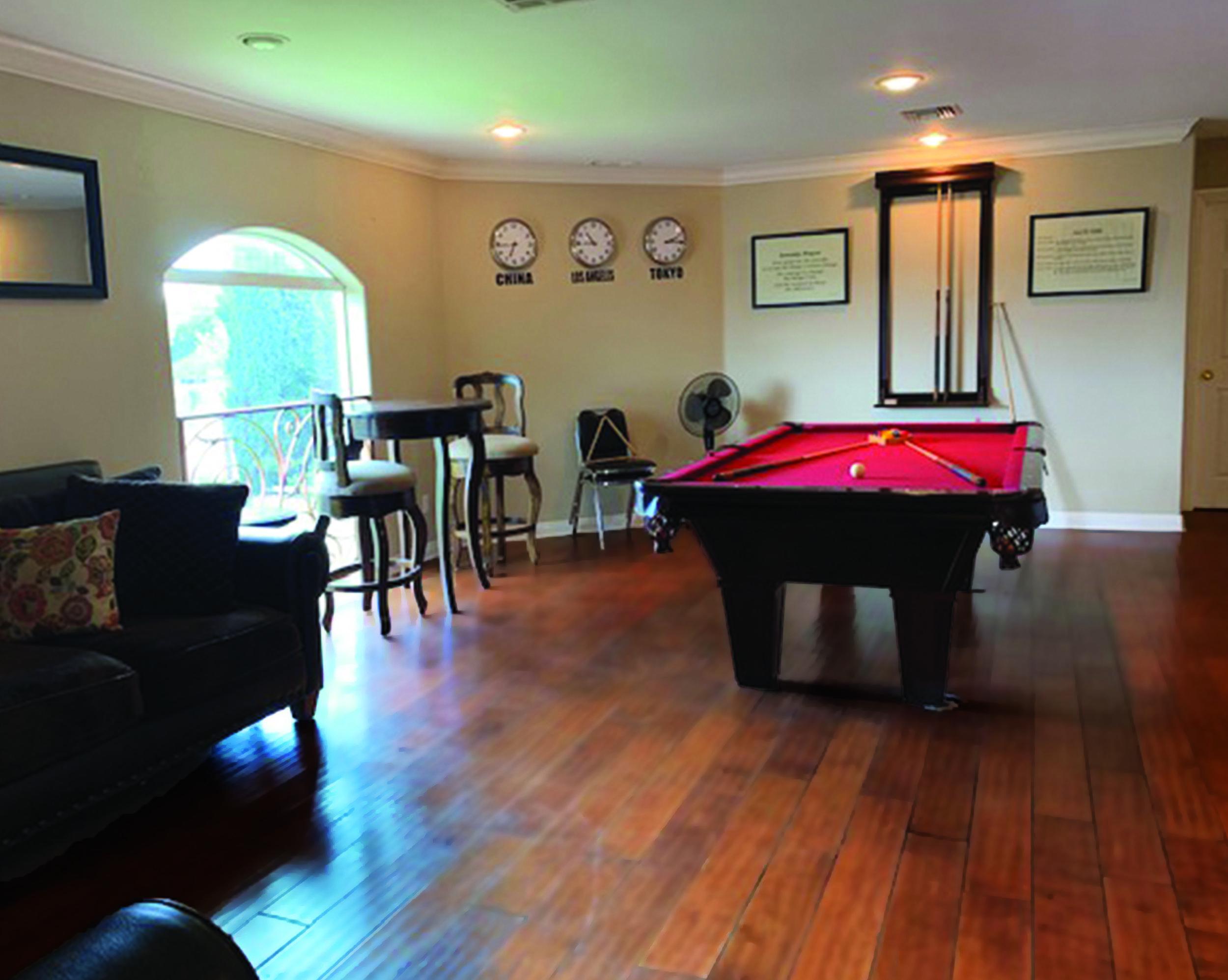 upstairs pool room.jpg
