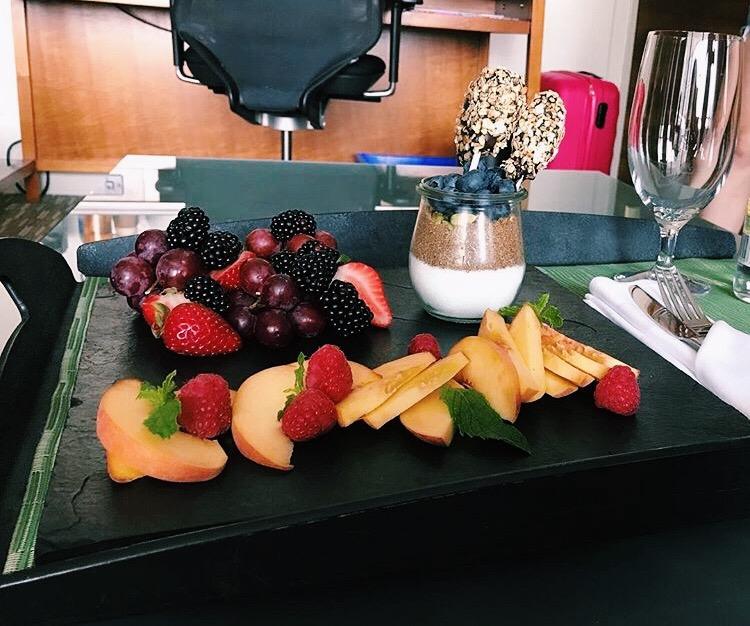 fruit platter dunnebells.JPG