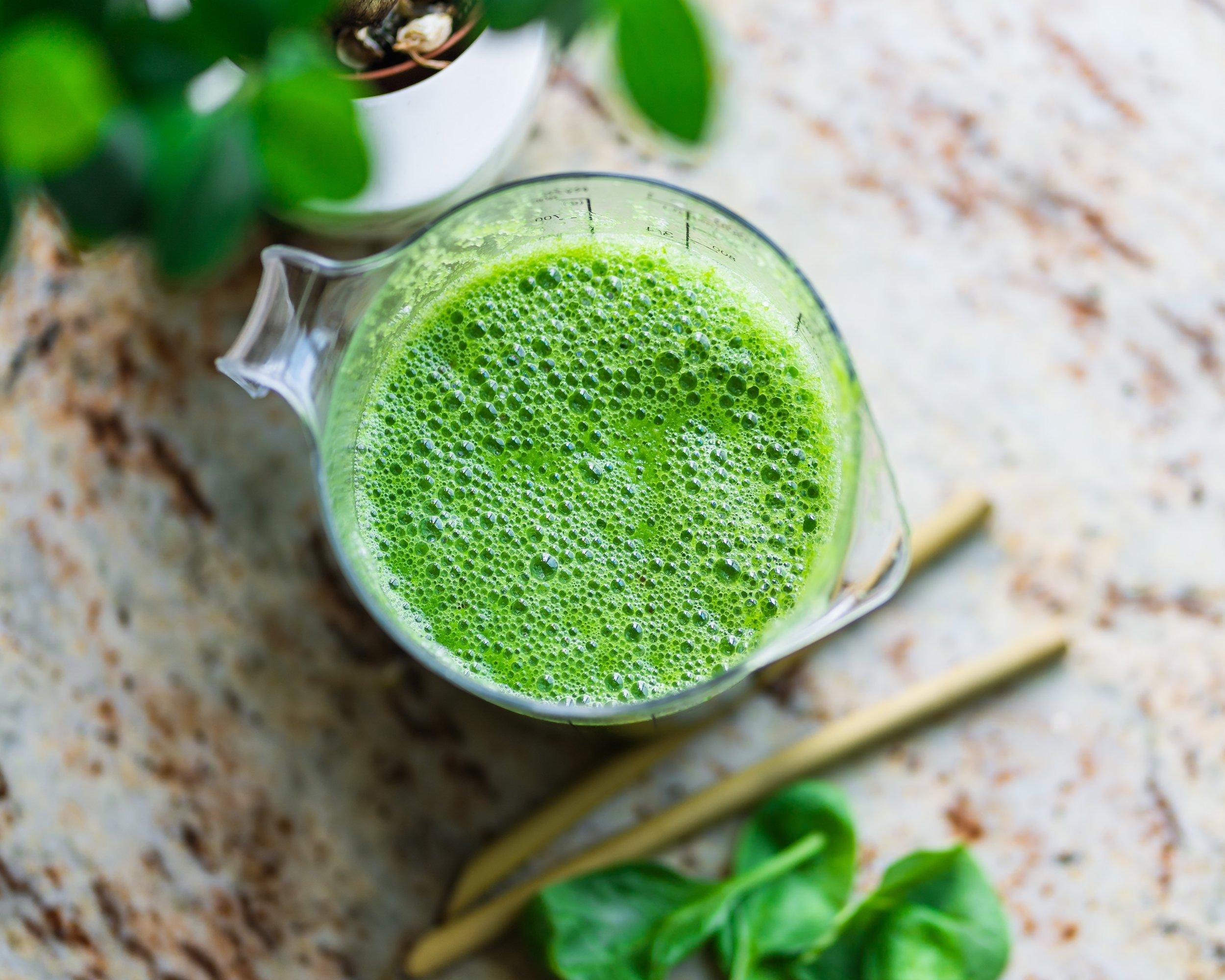 green protein packed collagen smoothie 2.jpg