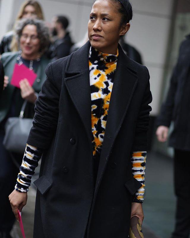 Beautiful way to wear print..#lfw #aw19 📷 shotbysherion