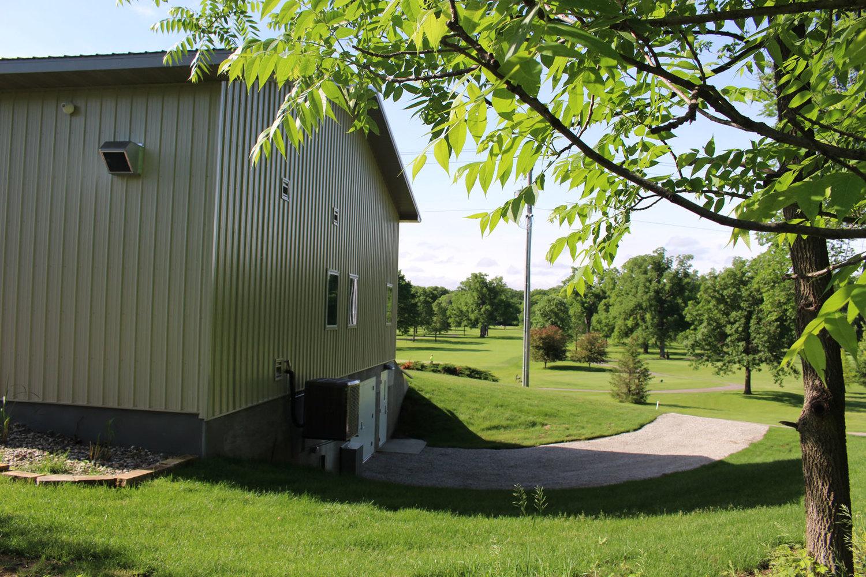 Veenker-exterior-4.jpg