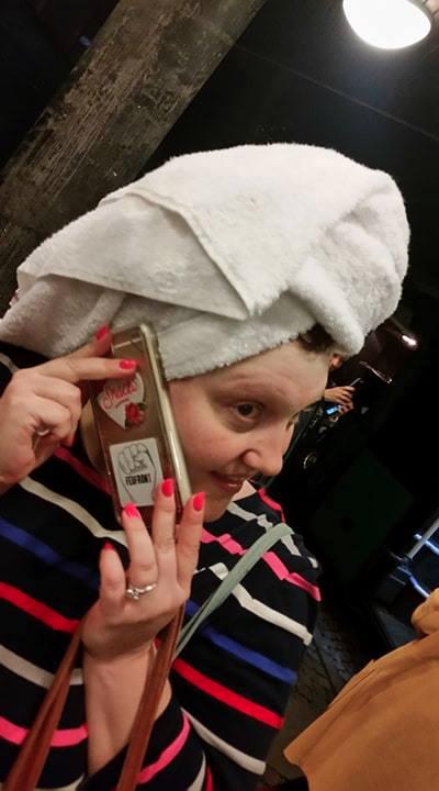 Beth Ditto har nu et FedFront-klistermærke på sin telefon!