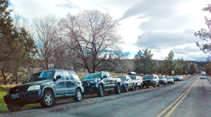 overflow cars to park at Smith Rock State Park