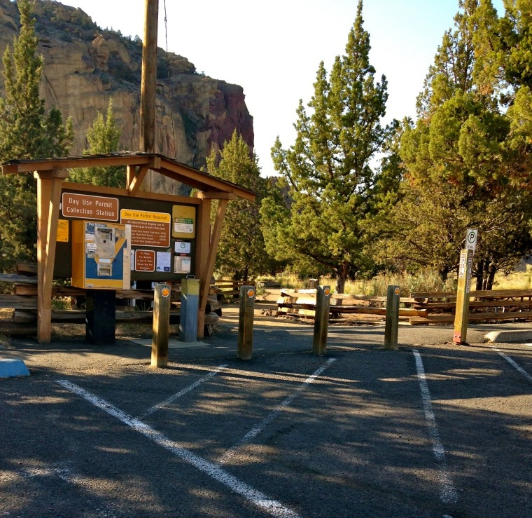 Main Fee Station at Smith Rock State Park